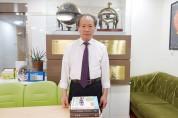 """""""감동과 충격··· 3권의 책을 단숨에 완독"""""""